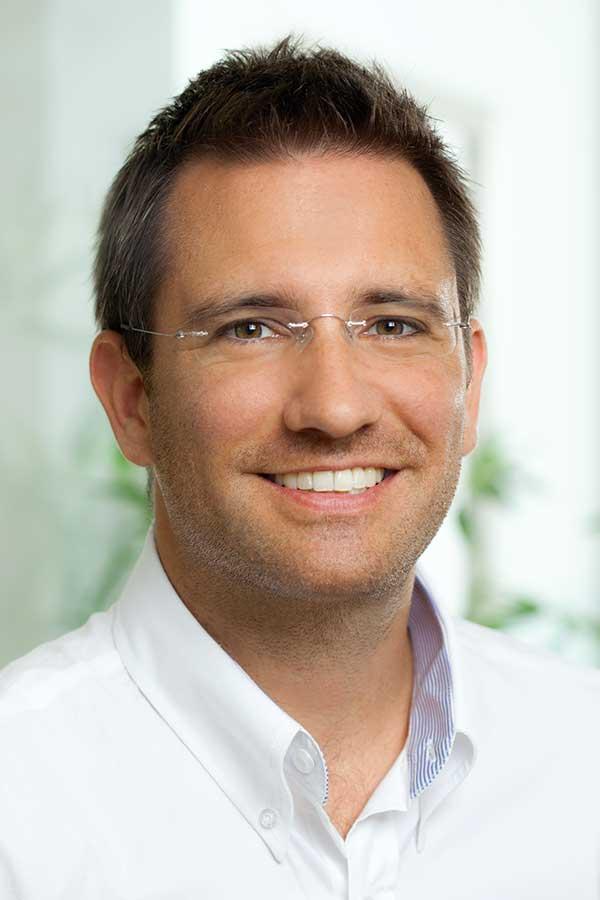 Dr. Christoph Bayer