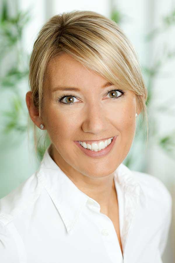 Dr. Kathrin Bayer